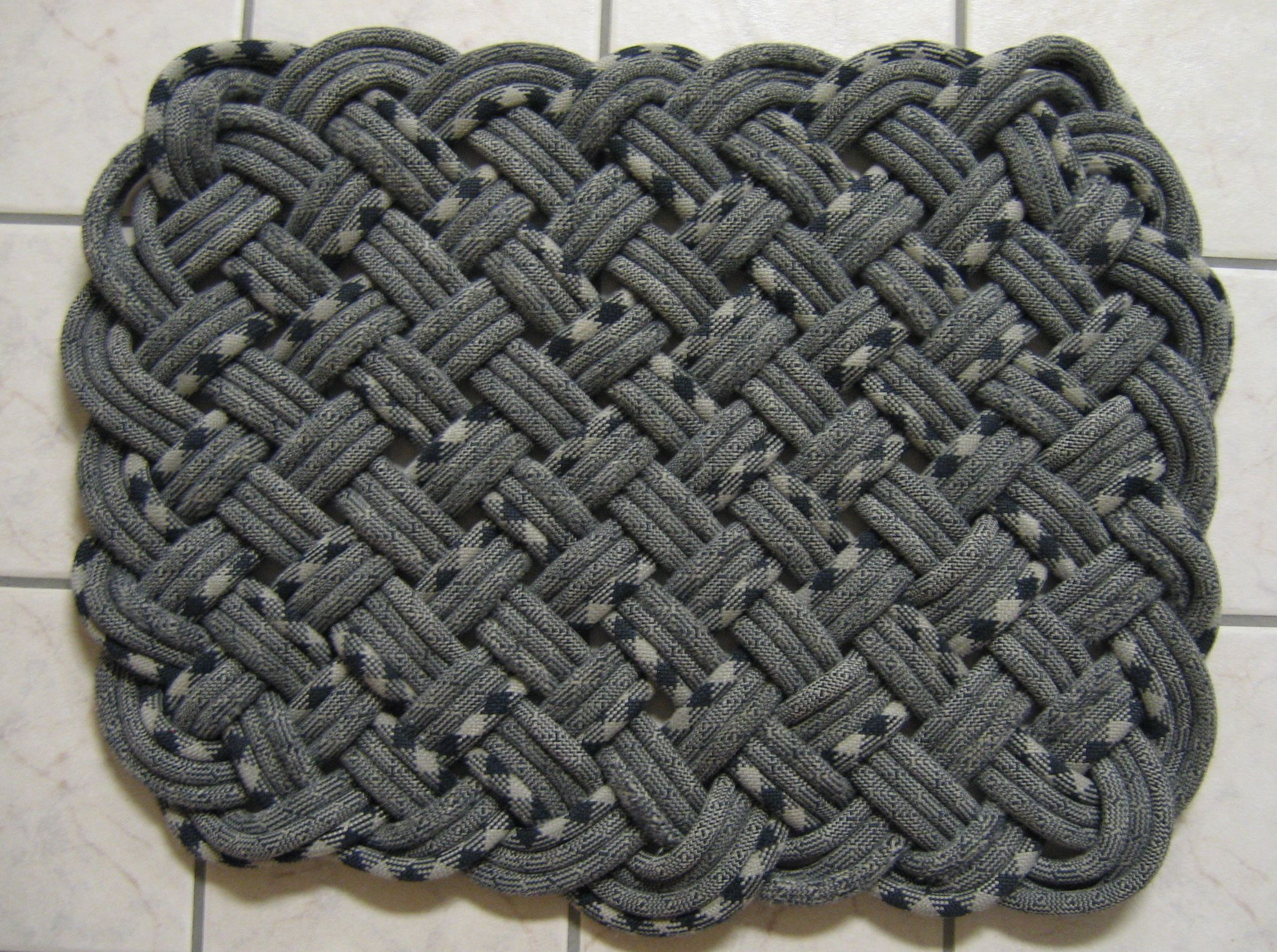 how to make a climbing rope rug